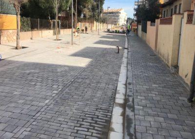 Treballs de pavimentació a l'Escala